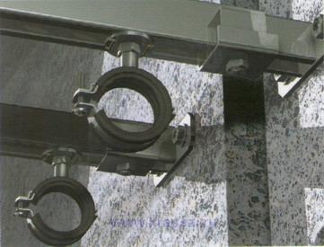 Пример крепежа с применением латунного анкера fischer